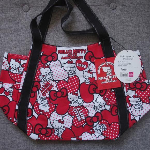 9a6b535a097a Sanrio Hello Kitty x DEARISIMO Tote shoulder bag